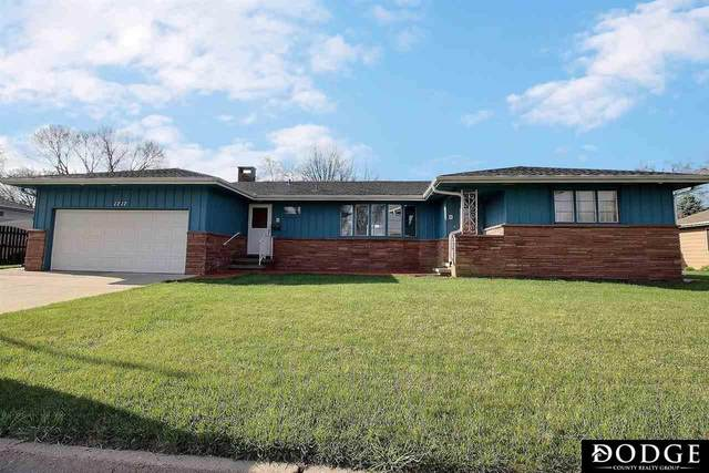 1717 E 12th Street, Fremont, NE 68025 (MLS #22106767) :: Berkshire Hathaway Ambassador Real Estate