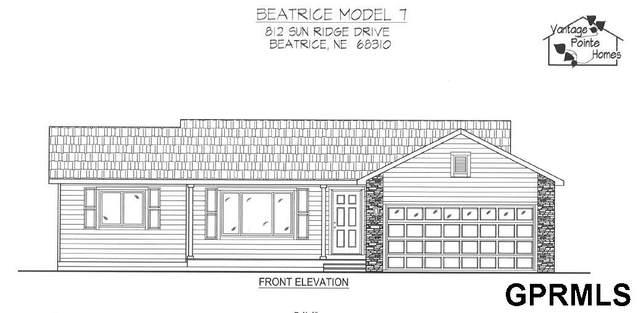 812 Sun Ridge Drive, Beatrice, NE 68310 (MLS #22106772) :: kwELITE