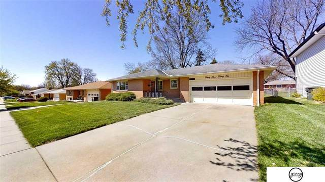 2321 S 62nd Street, Lincoln, NE 68506 (MLS #22106840) :: Lincoln Select Real Estate Group
