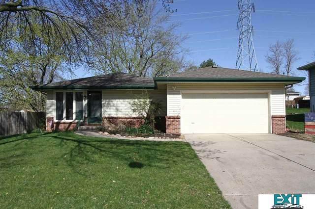 5820 Dogwood Drive, Lincoln, NE 68516 (MLS #22106841) :: Dodge County Realty Group