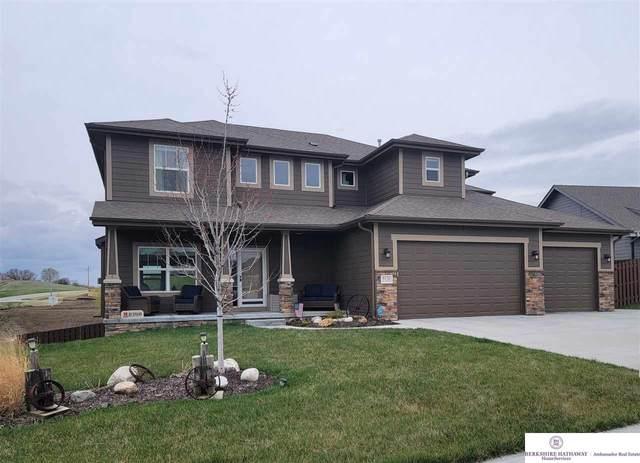 8136 S 194 Street, Gretna, NE 68028 (MLS #22106845) :: Lincoln Select Real Estate Group