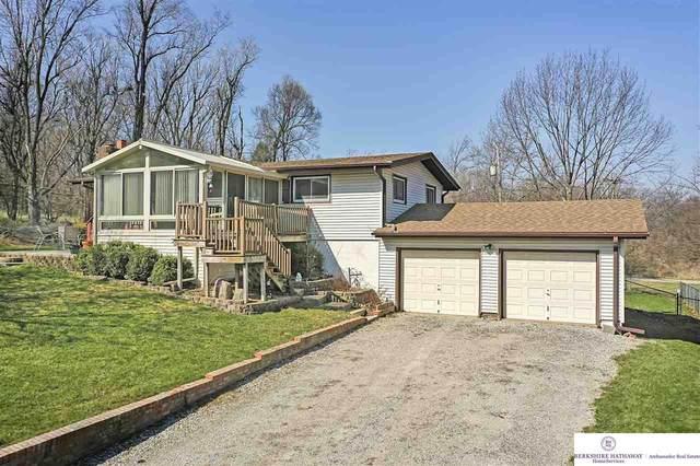 2406 N 136 Street, Omaha, NE 68164 (MLS #22106887) :: Berkshire Hathaway Ambassador Real Estate