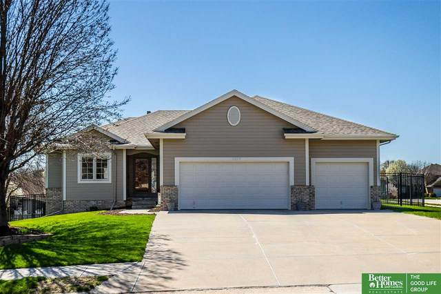 2809 Inglewood Drive, Papillion, NE 68133 (MLS #22106899) :: Berkshire Hathaway Ambassador Real Estate