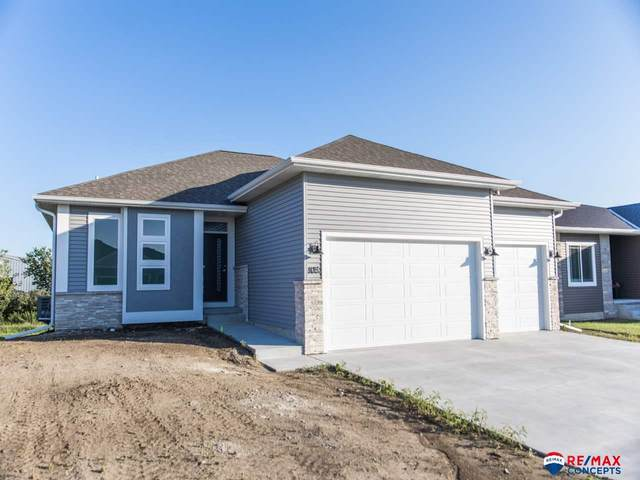 855 W Torreon Way, Lincoln, NE 68523 (MLS #22106912) :: kwELITE