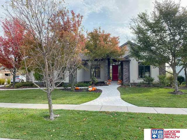 5530 S 96th Place, Lincoln, NE 68526 (MLS #22106923) :: Berkshire Hathaway Ambassador Real Estate