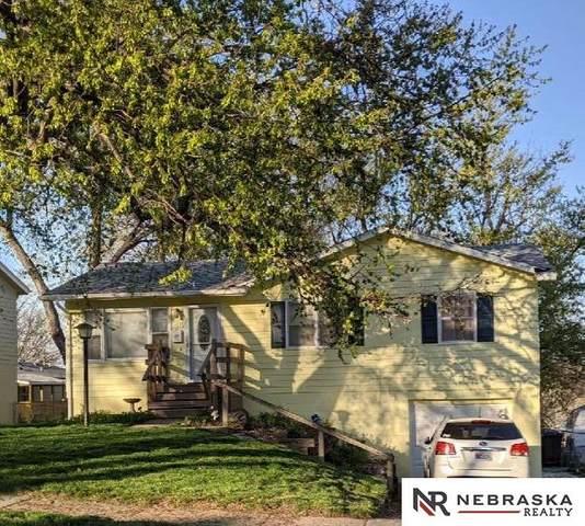 3515 S 87th Avenue, Omaha, NE 68124 (MLS #22106943) :: Berkshire Hathaway Ambassador Real Estate