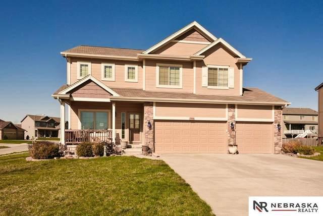 15006 S 22nd Street, Bellevue, NE 68133 (MLS #22106962) :: Berkshire Hathaway Ambassador Real Estate