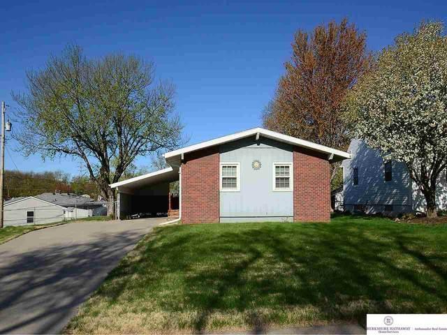 3622 S 121 Street, Omaha, NE 68144 (MLS #22106993) :: Berkshire Hathaway Ambassador Real Estate
