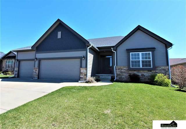 9010 Del Rio Drive, Lincoln, NE 68516 (MLS #22106998) :: Berkshire Hathaway Ambassador Real Estate