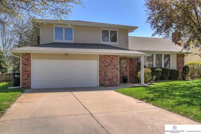 637 S 212 Street, Omaha, NE 68022 (MLS #22107112) :: The Briley Team