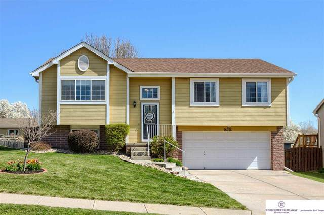 16314 Jefferson Street, Omaha, NE 68135 (MLS #22107138) :: The Briley Team