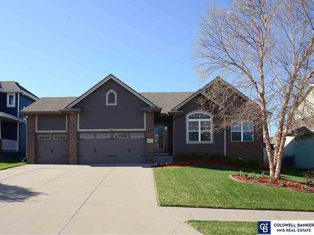 16575 Birch Avenue, Omaha, NE 68136 (MLS #22107140) :: One80 Group/KW Elite