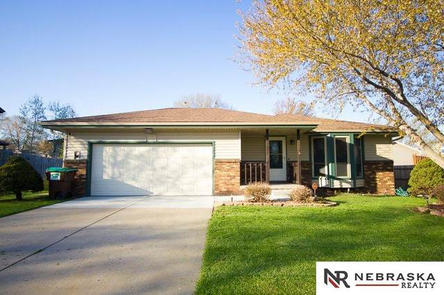 4121 Duxhall Drive, Lincoln, NE 68516 (MLS #22107214) :: Don Peterson & Associates