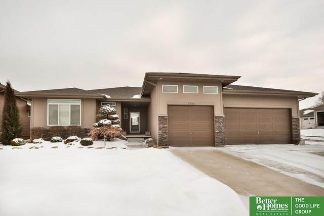 2728 N 190th Street, Elkhorn, NE 68022 (MLS #22107217) :: The Briley Team
