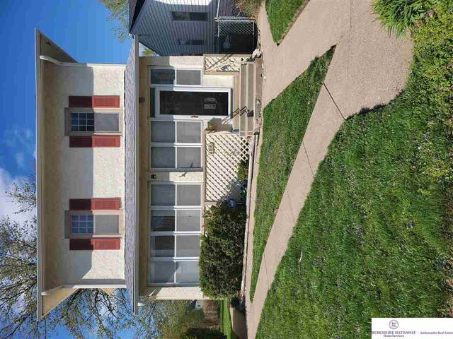 4816 Grant Street, Omaha, NE 68104 (MLS #22107233) :: Berkshire Hathaway Ambassador Real Estate