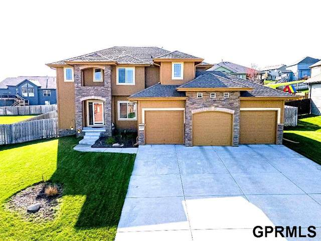 6707 Greyson Dr. Drive, Papillion, NE 68133 (MLS #22107337) :: One80 Group/KW Elite