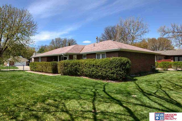 4248 Ridgeview Drive, Lincoln, NE 68506 (MLS #22107493) :: Lincoln Select Real Estate Group