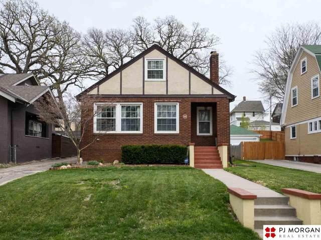 1025 S 33rd Street, Omaha, NE 68105 (MLS #22107502) :: Complete Real Estate Group