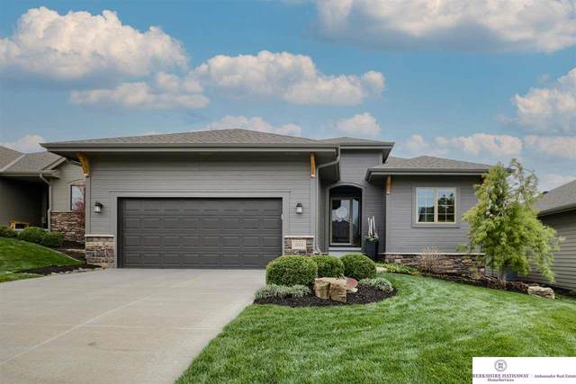 19223 Pasadena Circle, Omaha, NE 68130 (MLS #22107506) :: Capital City Realty Group
