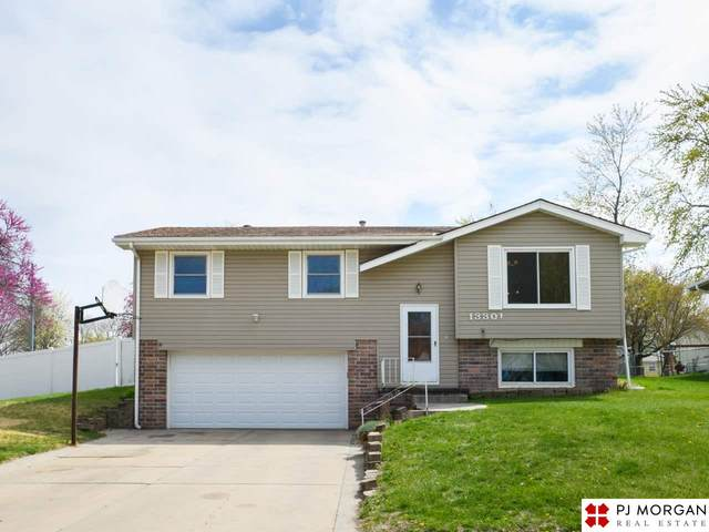 13301 Grissom Street, Papillion, NE 68138 (MLS #22107515) :: Lincoln Select Real Estate Group