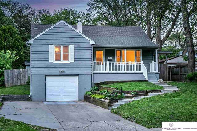 1025 N 76 Street, Omaha, NE 68134 (MLS #22107557) :: Berkshire Hathaway Ambassador Real Estate