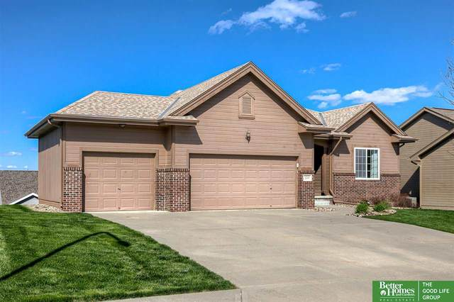 2214 Kara Drive, Papillion, NE 68133 (MLS #22107575) :: Complete Real Estate Group