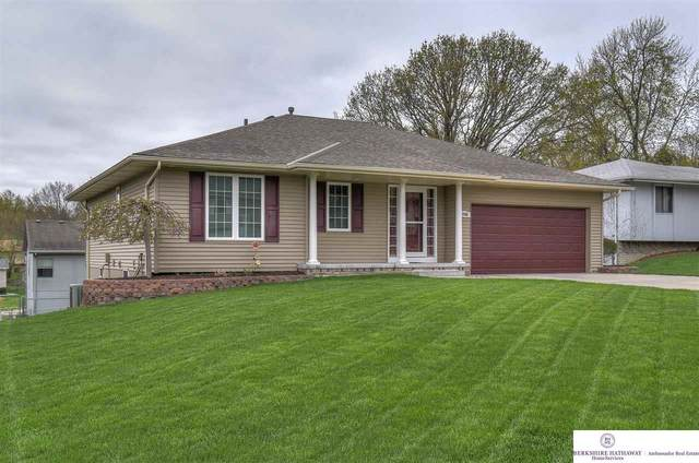13745 Z Circle, Omaha, NE 68137 (MLS #22107582) :: Capital City Realty Group