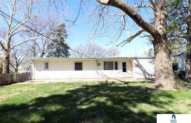 612 Eastborough Lane, Lincoln, NE 68505 (MLS #22107612) :: Omaha Real Estate Group