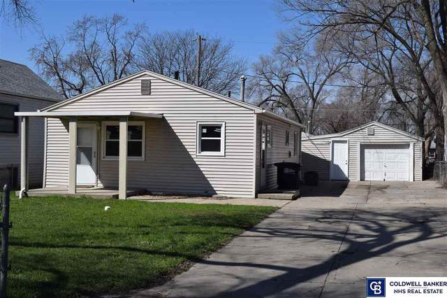 4528 S 61st Street, Omaha, NE 68117 (MLS #22107614) :: Dodge County Realty Group