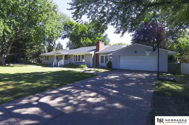 7685 Hickory Street, Omaha, NE 68124 (MLS #22107643) :: Omaha Real Estate Group
