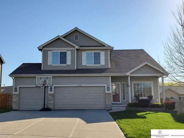 13706 Williamsburg Drive, Bellevue, NE 68123 (MLS #22107669) :: The Homefront Team at Nebraska Realty