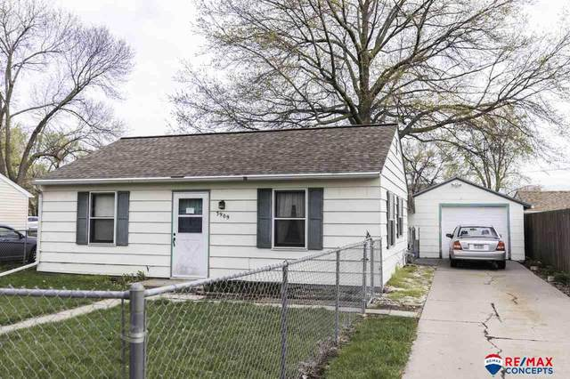 3909 Saint Paul Avenue, Lincoln, NE 68504 (MLS #22107694) :: Lincoln Select Real Estate Group