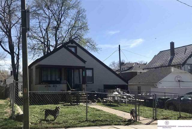 2581 Newport Avenue, Omaha, NE 68112 (MLS #22107730) :: Dodge County Realty Group