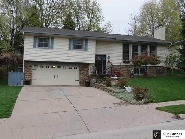 2911 Lynnwood Drive, Bellevue, NE 68123 (MLS #22107829) :: Berkshire Hathaway Ambassador Real Estate