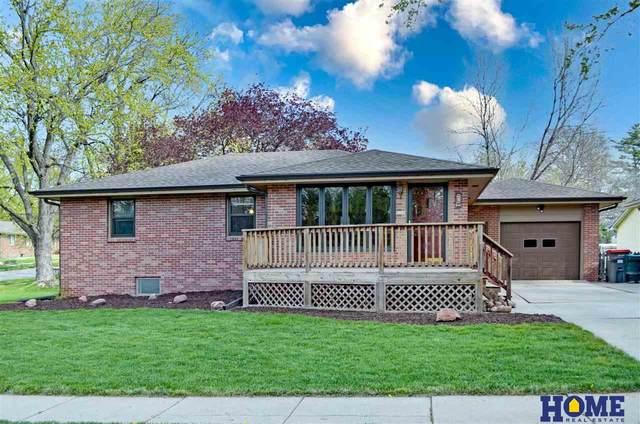 6400 Francis Street, Lincoln, NE 68505 (MLS #22108038) :: Capital City Realty Group