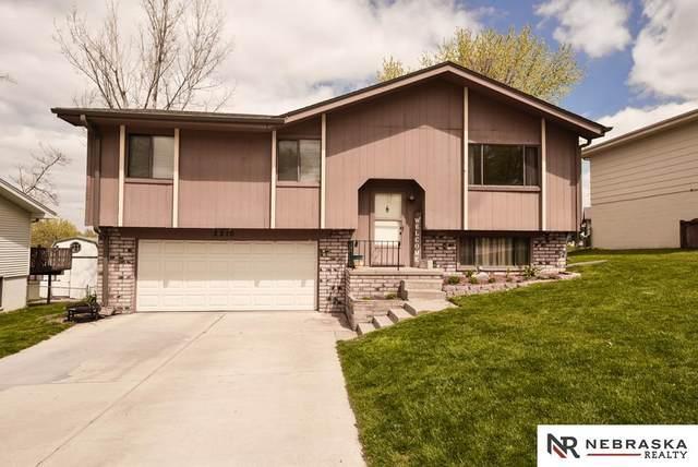 2210 Whitted Drive, Bellevue, NE 68123 (MLS #22108062) :: kwELITE