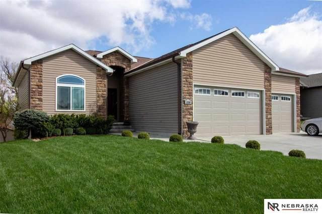 1550 W Silverado Drive, Lincoln, NE 68521 (MLS #22108087) :: Capital City Realty Group