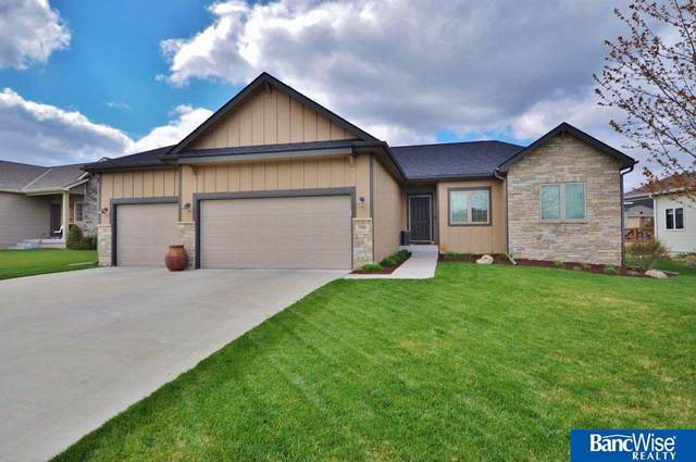 7135 Countryview Road, Lincoln, NE 68516 (MLS #22108107) :: kwELITE