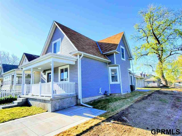 2420 Parker Street, Omaha, NE 68111 (MLS #22108112) :: Capital City Realty Group