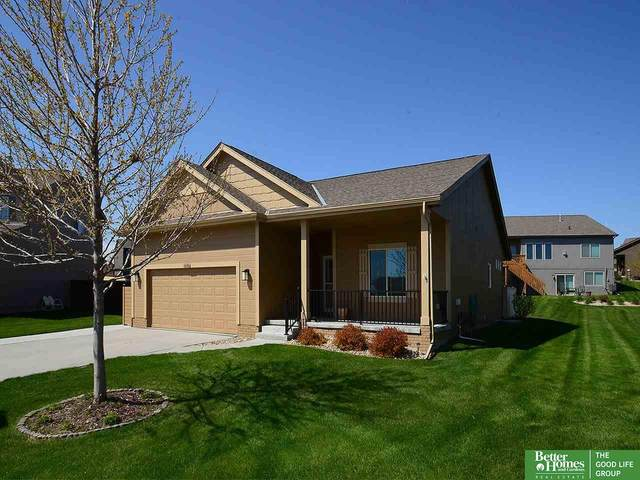 6646 Michael Circle, Papillion, NE 68133 (MLS #22108116) :: kwELITE