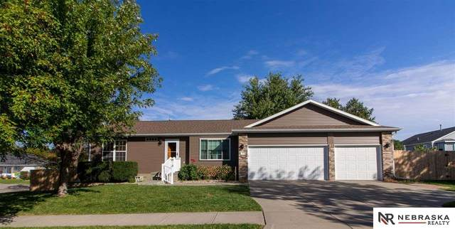 3422 W Peach Street, Lincoln, NE 68522 (MLS #22108152) :: Capital City Realty Group