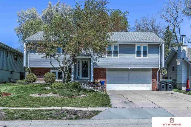 15928 Cedar Circle, Omaha, NE 68130 (MLS #22108162) :: Capital City Realty Group
