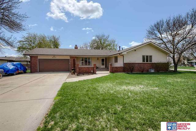 4001 Pleasantview Circle, Lincoln, NE 68504 (MLS #22108166) :: Capital City Realty Group