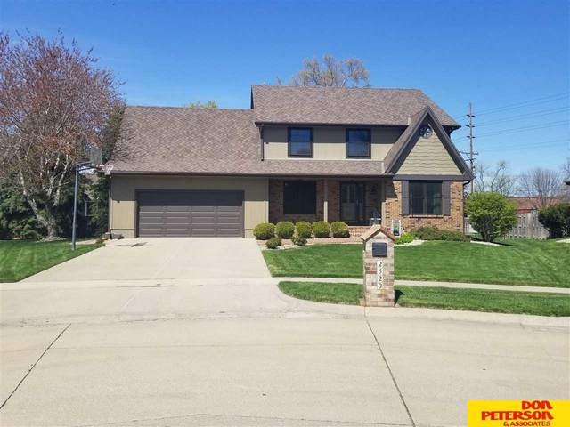 2520 Estes Lane, Fremont, NE 68025 (MLS #22108394) :: Dodge County Realty Group