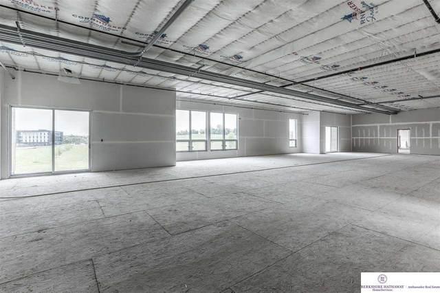 215 S 181 Street #3, Omaha, NE 68022 (MLS #22108463) :: Lincoln Select Real Estate Group