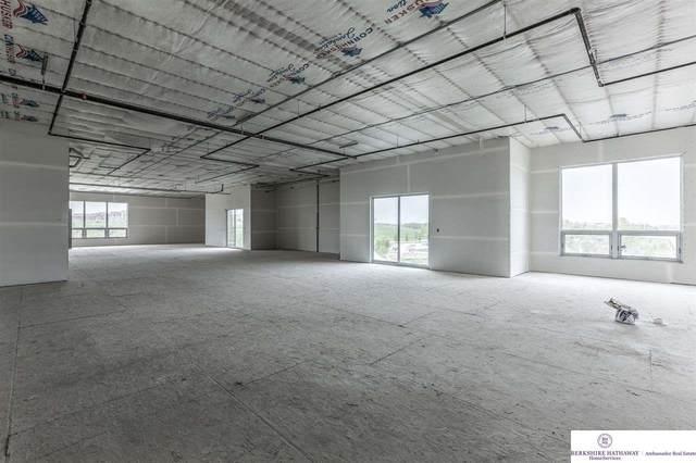 215 S 181 Street #4, Omaha, NE 68022 (MLS #22108465) :: Lincoln Select Real Estate Group