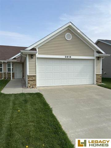 2616 W Timber Lake Drive, Lincoln, NE 68522 (MLS #22108657) :: Dodge County Realty Group