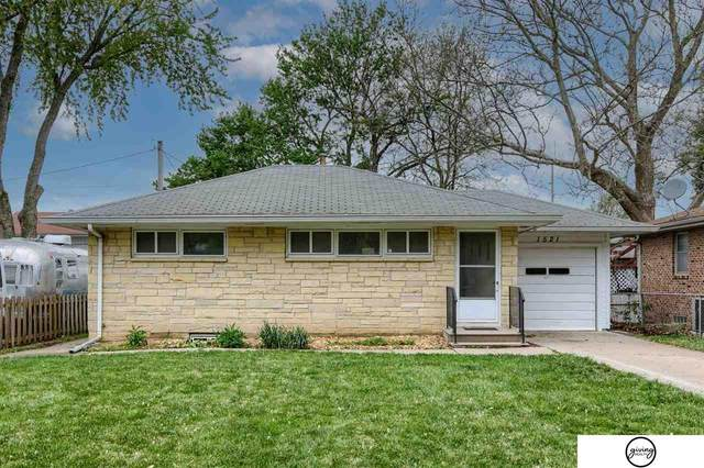 1521 N 57Th Street, Lincoln, NE 68505 (MLS #22108873) :: Lincoln Select Real Estate Group