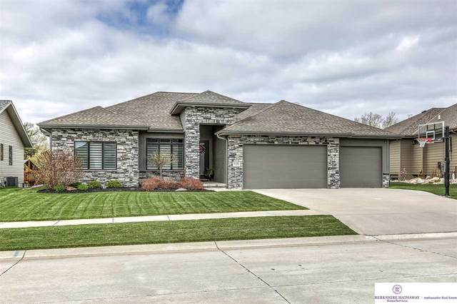 1732 S 221 Street, Omaha, NE 68022 (MLS #22109184) :: Omaha Real Estate Group