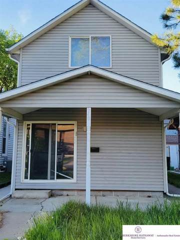 940 Washington Street, Lincoln, NE 68502 (MLS #22109286) :: kwELITE